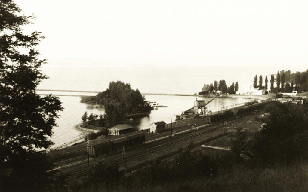 1928 Fonyód kikötő - bazalt vasúti kocsira rakodása